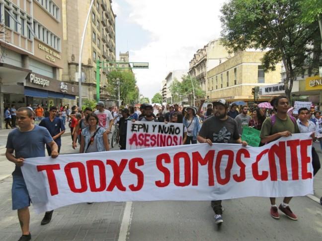 marcha-en-solidaridad-con-maestros-de-oaxaca-29-1024x768